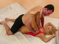Posturas Sexuales Hombre Sobre Mujer El Arco